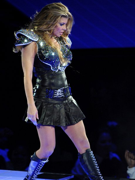 Does super bowl 2011 fergie upskirt