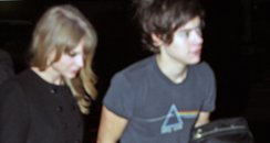 Harry Styles and Taylor Swift holding hands