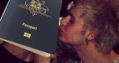 Michael 5SOS Passport Instagram
