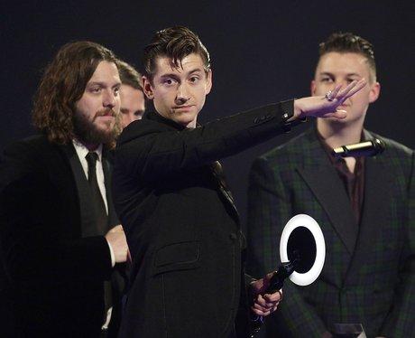 Arctic Monkeys Throwing Microphone BRITS 2014
