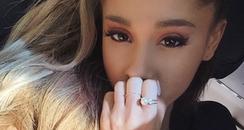 Ariana Grande Selfie Instagram