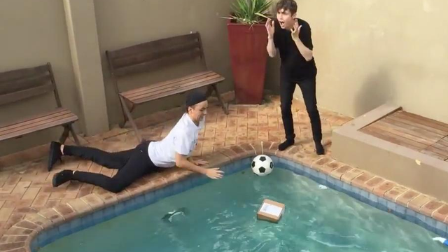 watch troye sivan 39 s apple watch prank on his brother is hilarious and very mean capital