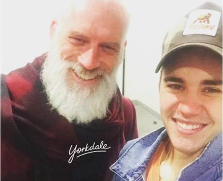 Justin Bieber with Santa Twitter